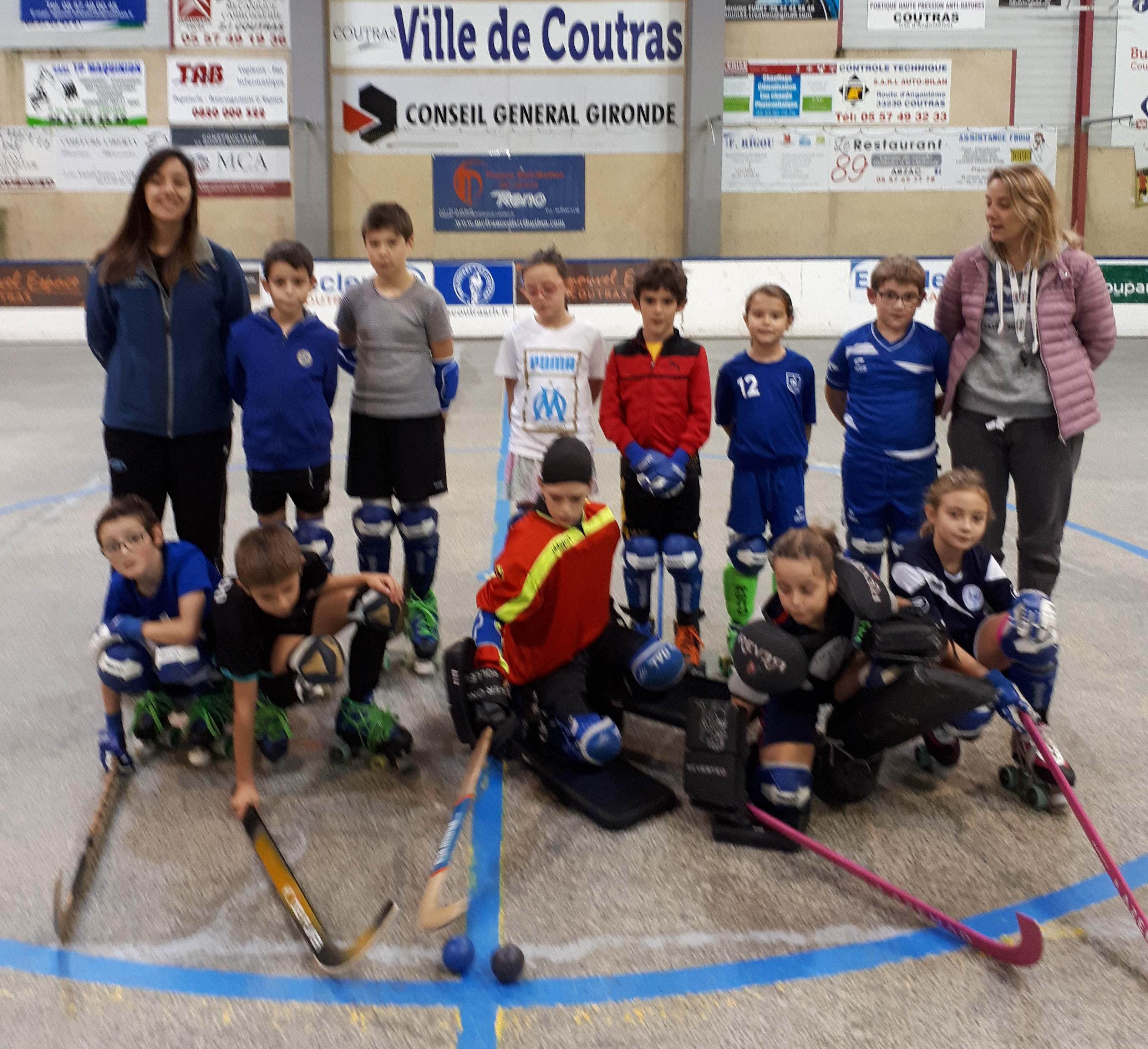 4 journées de stage cette semaine à la patinoire pour nos jeunes sous les  conseils de Céline et Romina. Du travail mais aussi beaucoup de bonne  humeur ... ac9ce9f9ff00